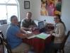 Timoteo y Stephanie Woodford estudiando con Eleonor Mosquera